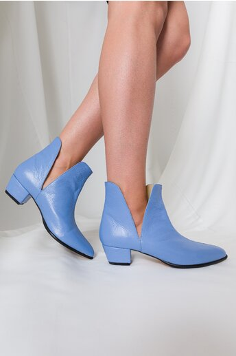 Botine Lariss bleu cu decupaj