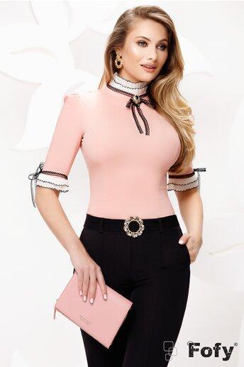 Camasa dama Fofy roz cu volane plisate si dantela cu brosa