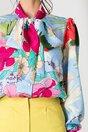 Camasa LaDonna bleu cu imprimeu floral fucsia si guler tip esarfa