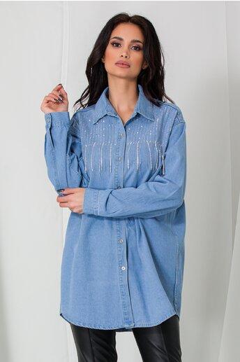 Camasa Lora albastra din denim accesorizata cu franjuri si strasuri