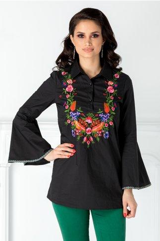 Camasa neagra cu broderie florala colorata la bust