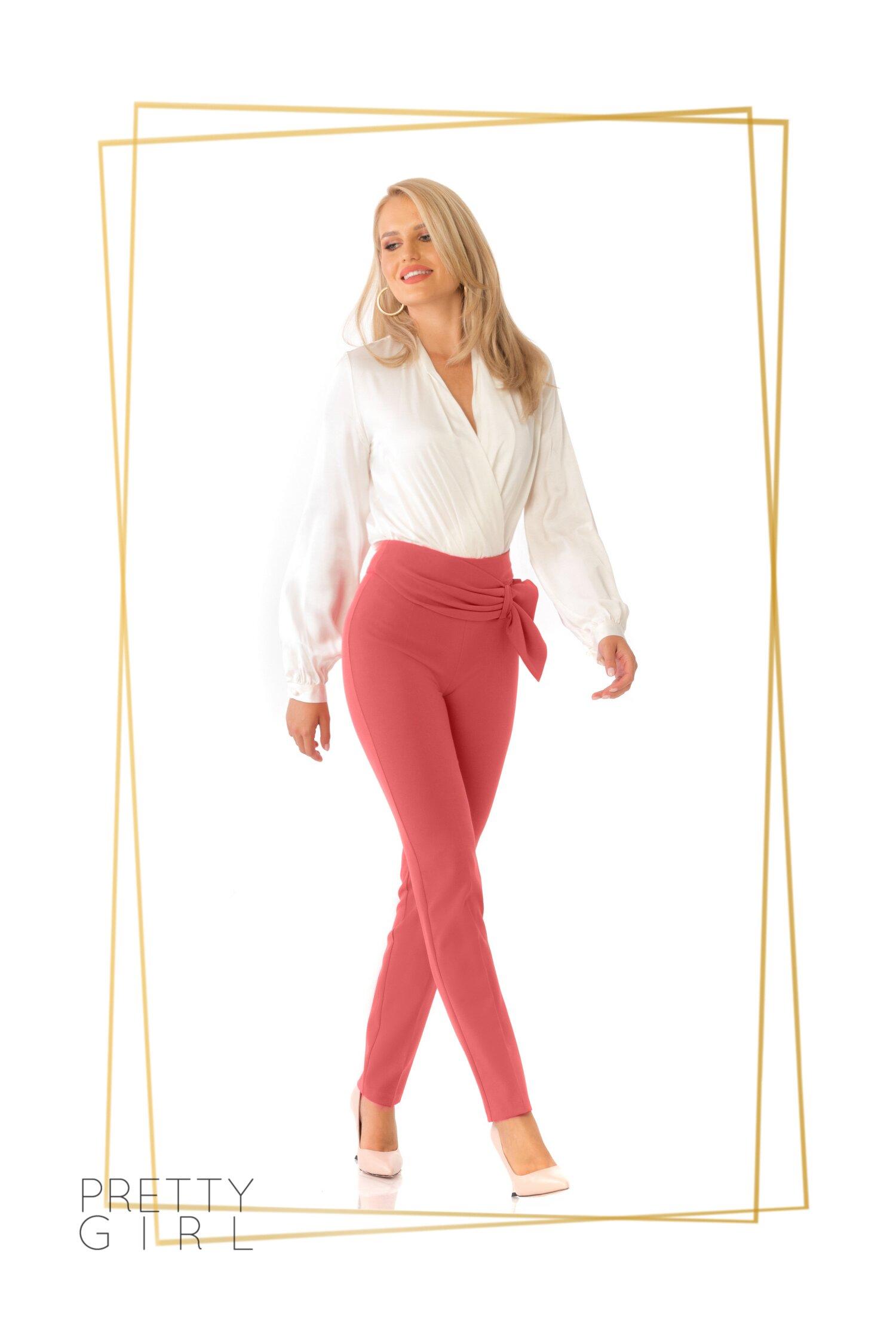 Camasa Pretty Girl ivoire tip body cu decolteul adanc in forma de V