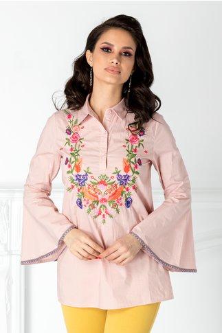 Camasa roz cu broderie florala colorata la bust