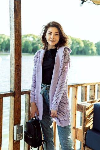 Cardigan lila tricotat cu perforatii si gluga