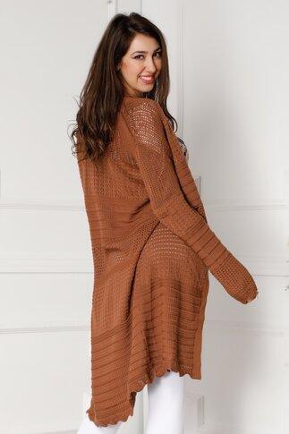 Cardigan maro tricotat