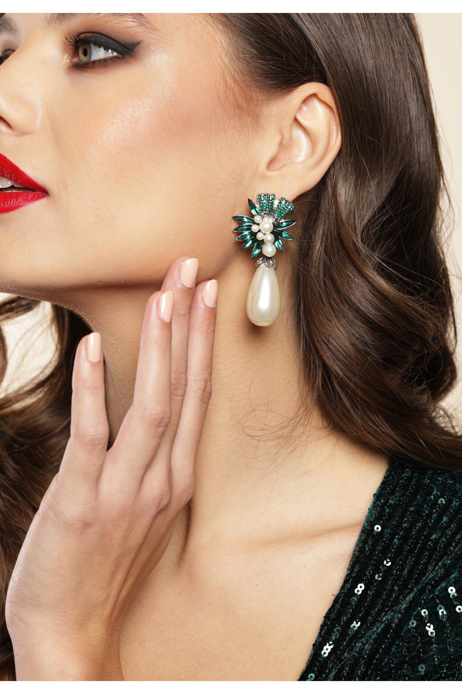 Cercei Izaura cu perla in forma de lacrima si pietre verzi