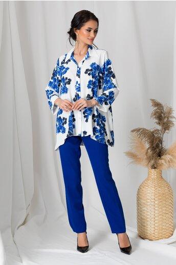 Compleu Adela cu pantaloni albastri si camasa alba cu flori