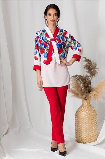 Compleu dama cu pantaloni rosii si bluza alba cu flori albastre