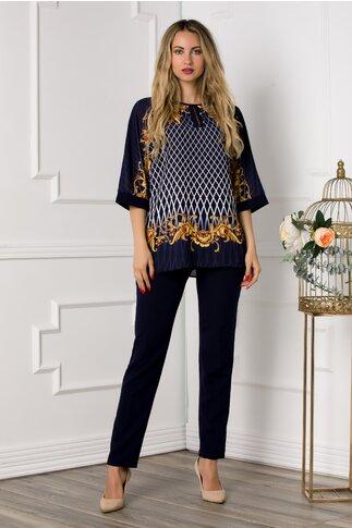 Compleu Diana bleumarin cu pantaloni si bluza cu imprimeu divers galben