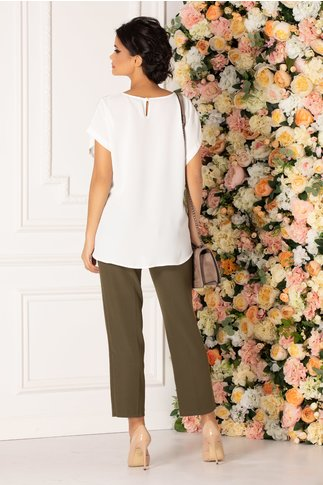 Compleu Katya cu pantaloni kaki deschis si bluza alba cu imprimeu floral