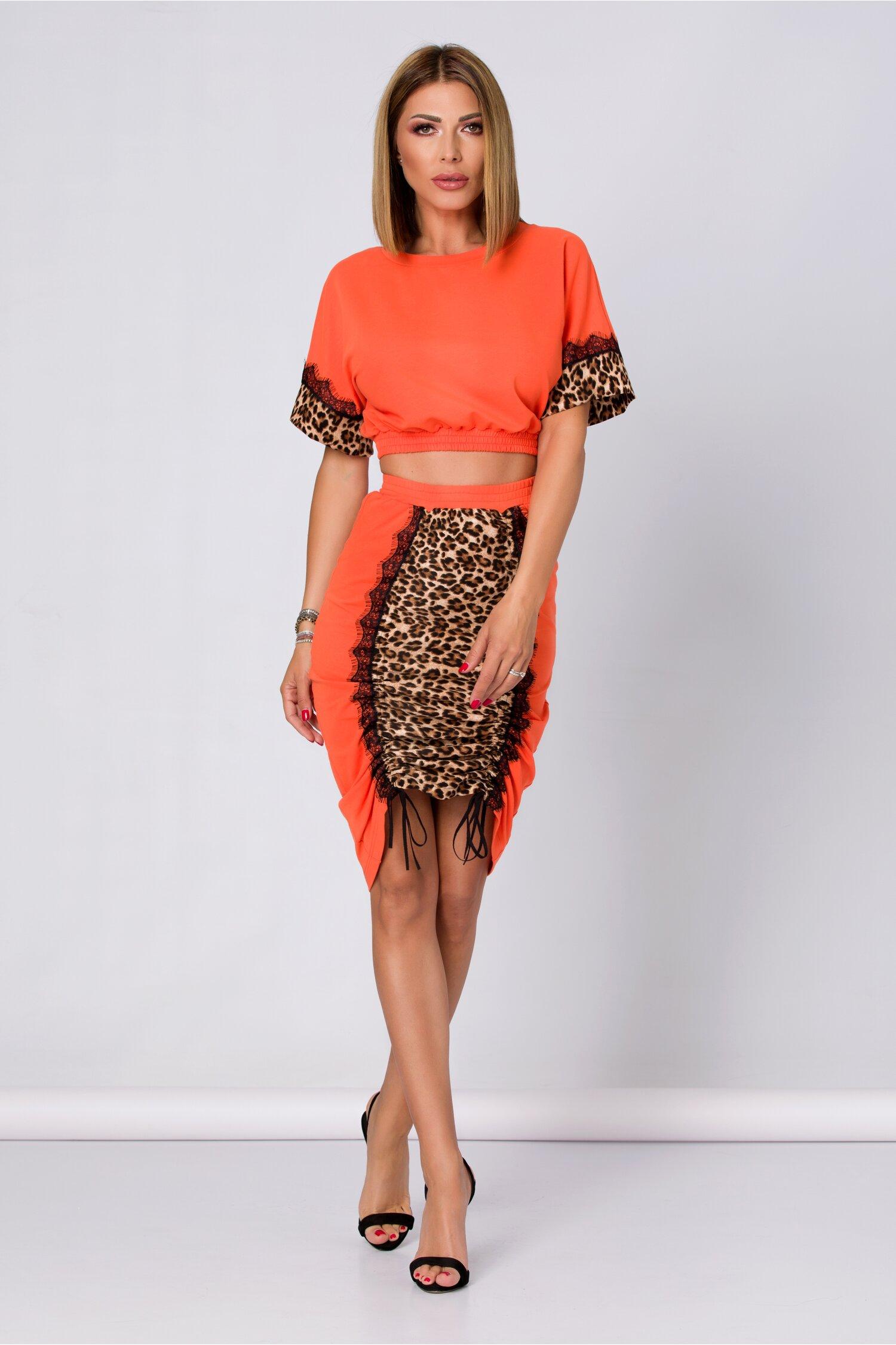 Compleu LaDonna by Catalin Botezatu orange cu animal print alcatuit din top si fusta