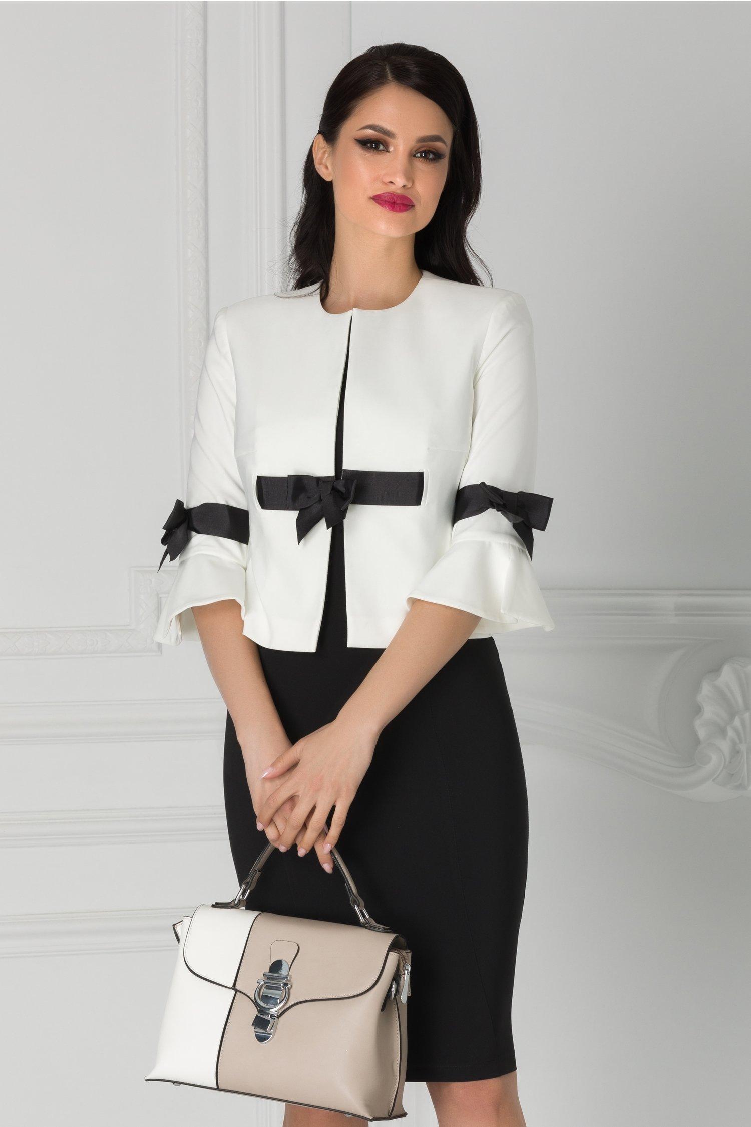 Compleu LaDonna cu sacou alb si rochie neagra