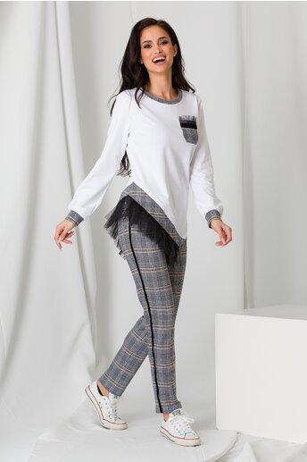 Compleu LaDonna cu topul alb si pantaloni in carouri gri