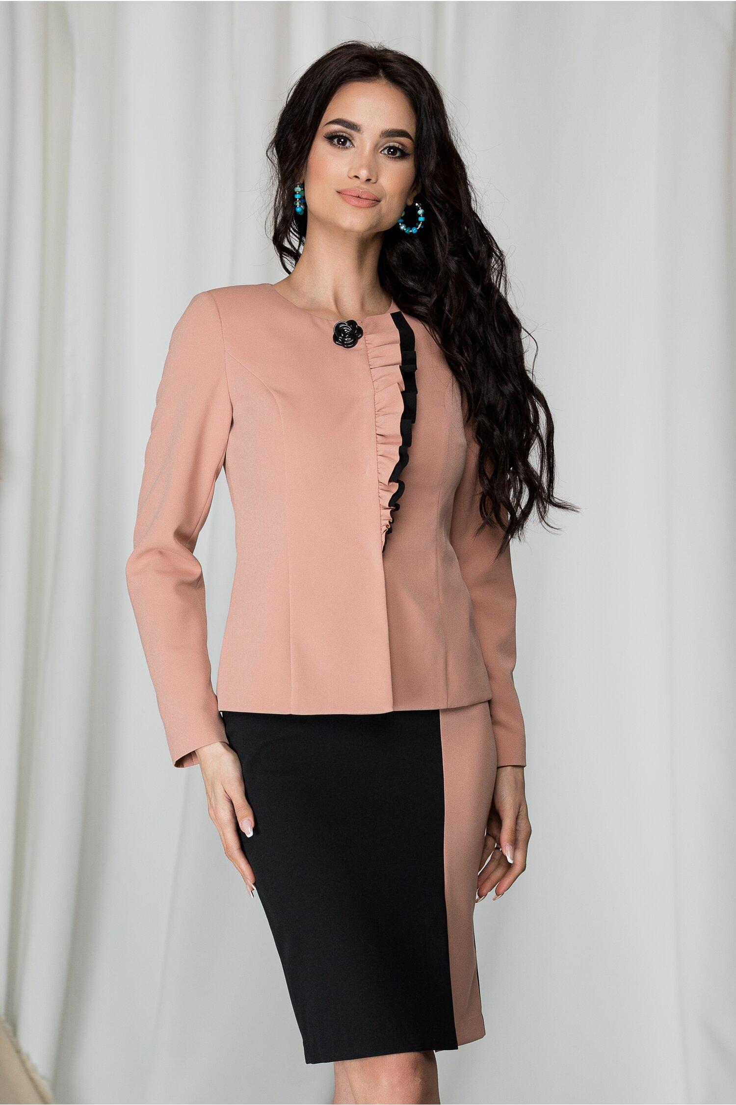 Compleu Leonard Collection cu sacou roz pudrat si rochie neagra