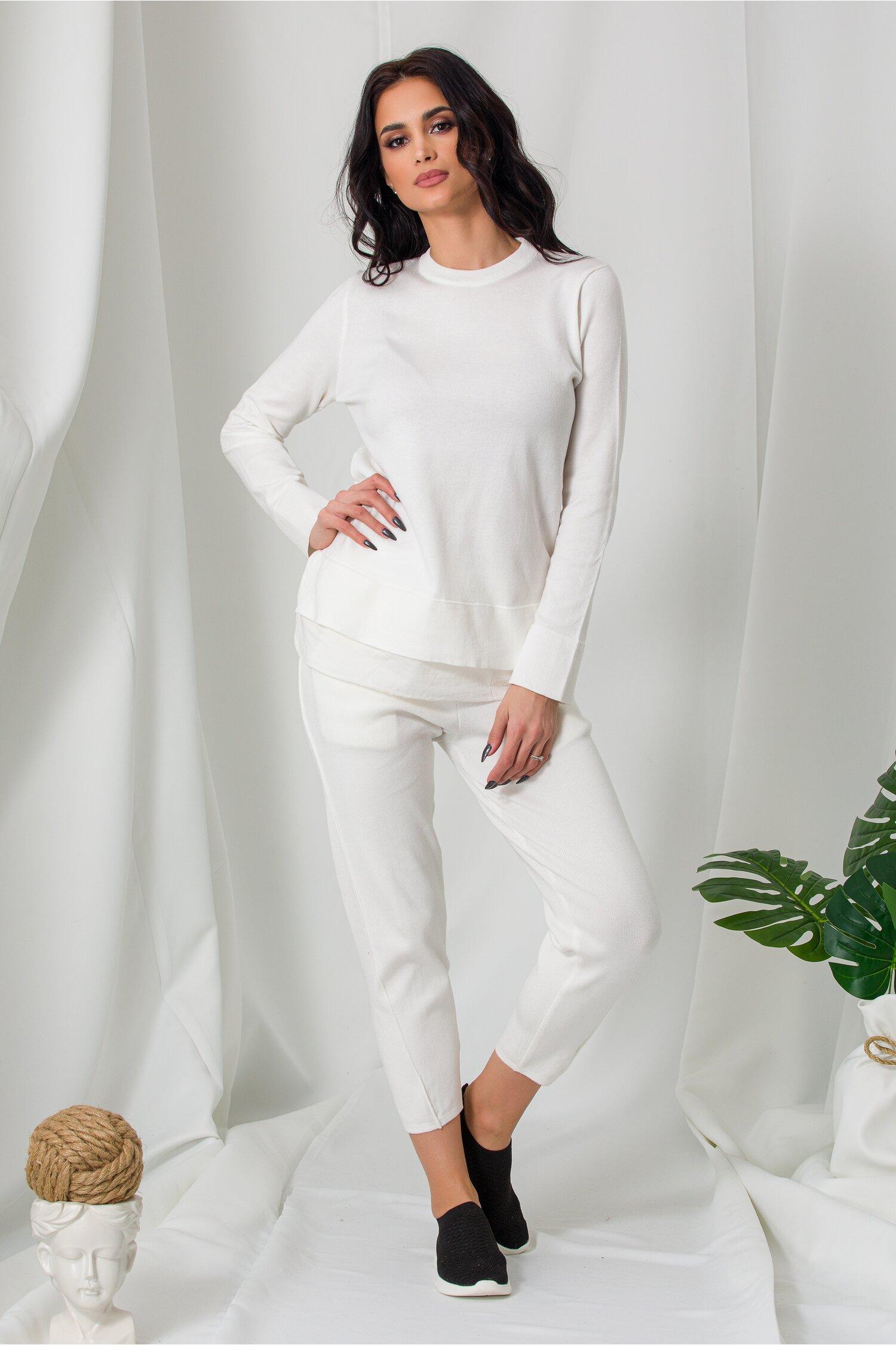 Compleu Lora alb din tricot