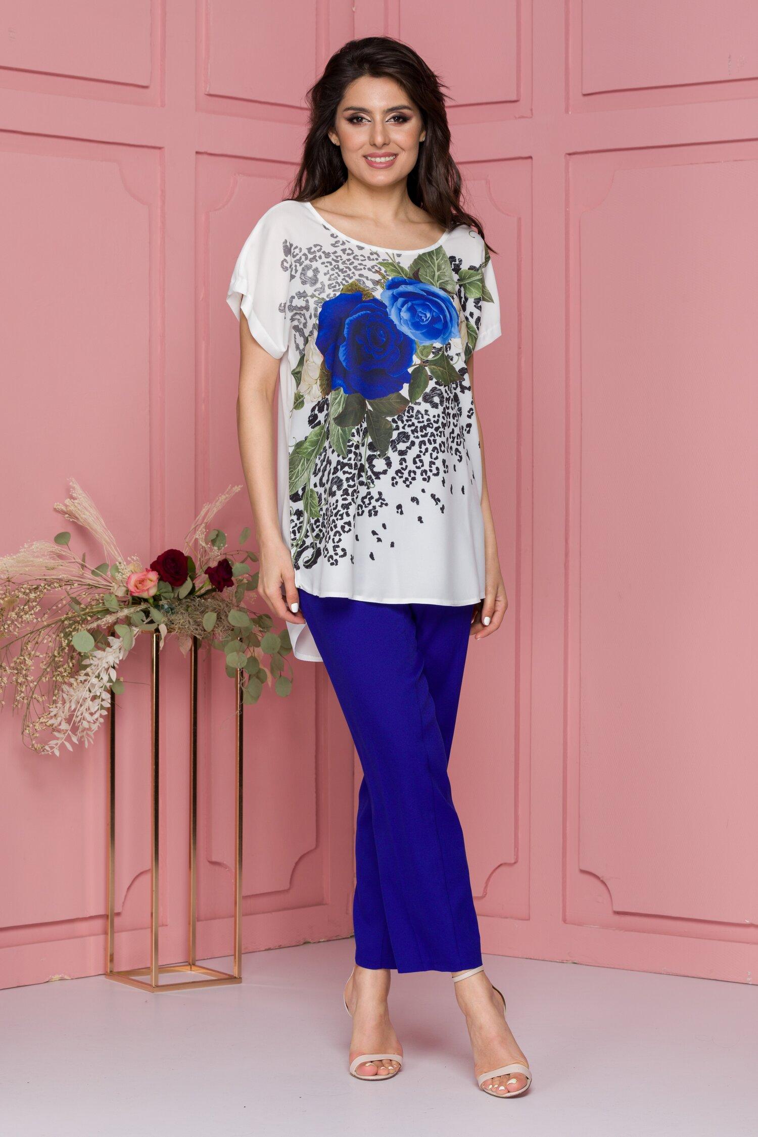 Compleu Marusia cu pantaloni albastri si bluza alba cu imprimeuri imagine