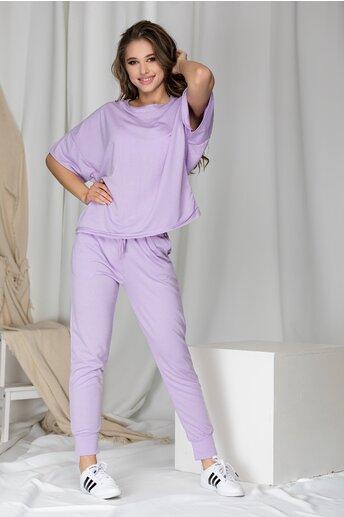 Compleu sport lila cu tricou si pantaloni
