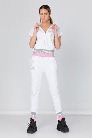 Costum sport alb cu broderie si detalii roz