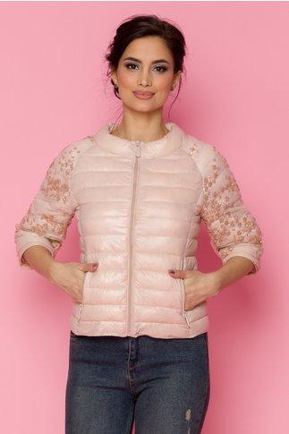 Geaca Mira roz pudrat accesorizata cu tull brodat cu paiete