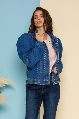 Jacheta din denim albastra cu aplicatii metalice si inchidere cu nasturi