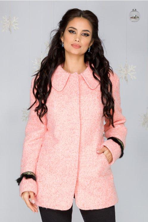 Jacheta Murcia roz somon cu puf si detalii stralucitoare la maneci