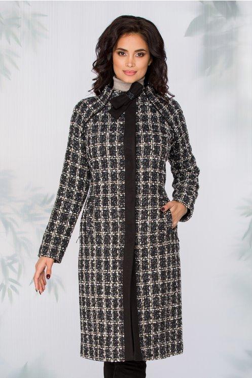 Palton Ginette cu imprimeu geometric pixelat si fundita la baza gatului