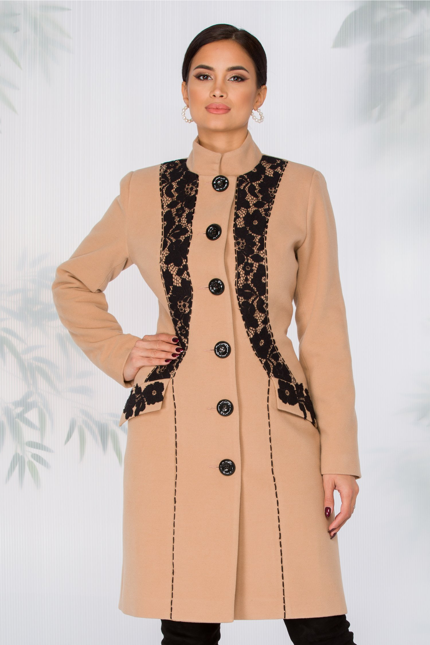 Palton LaDonna bej cu broderie neagra handmade