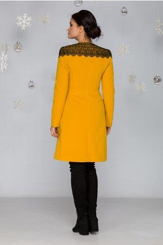Palton LaDonna galben in croi clos cu broderie neagra handmade