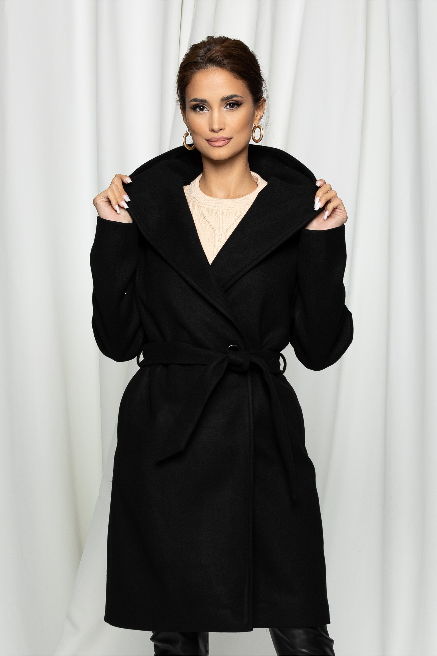 Palton Moze negru cu gluga si cordon