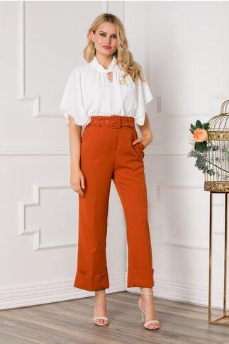 Pantaloni Alexa caramizii cu design evazat