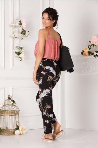 Pantaloni Denny vaporosi negri cu imprimeu floral