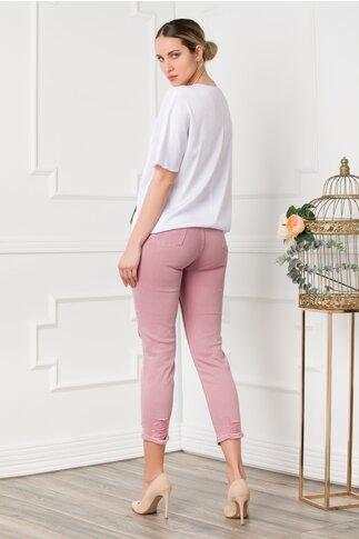 Pantaloni din denim roz design cu rupturi