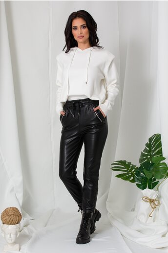Pantaloni Emy negri din piele ecologica cu elastic in talie si la baza