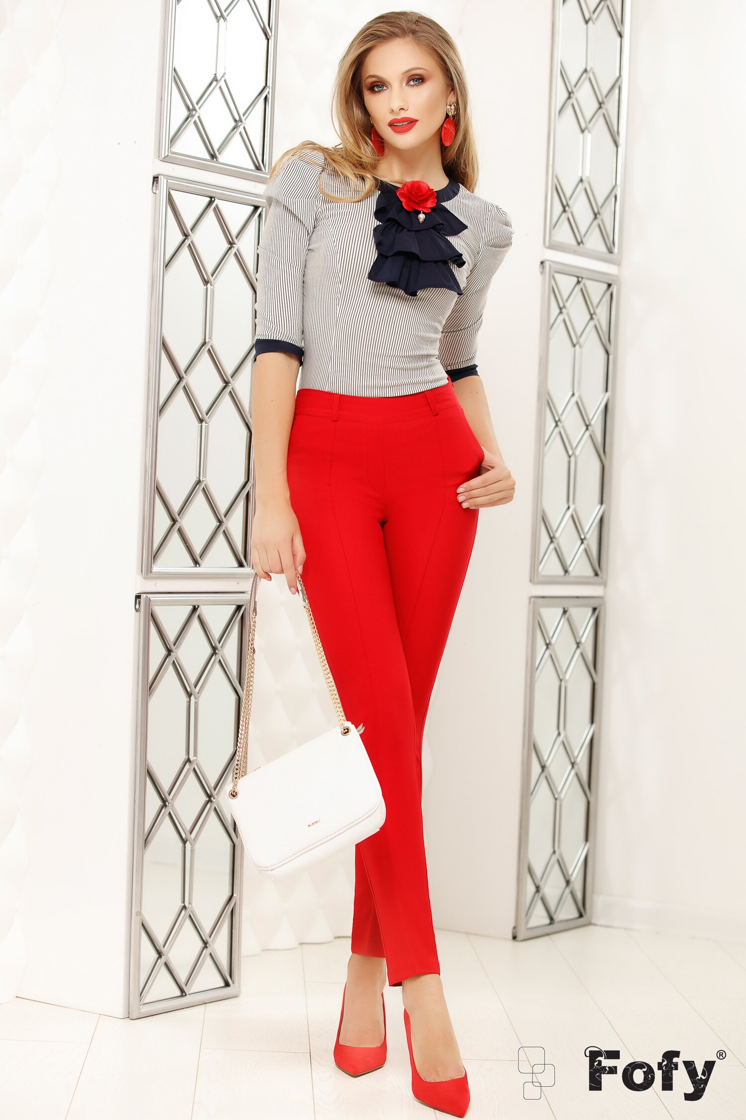 Pantaloni Fofy rosii office cu design cu dunga