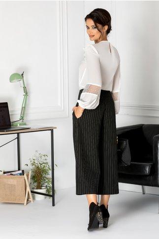 Pantaloni LaDonna trei sferturi evazati negri cu dungi