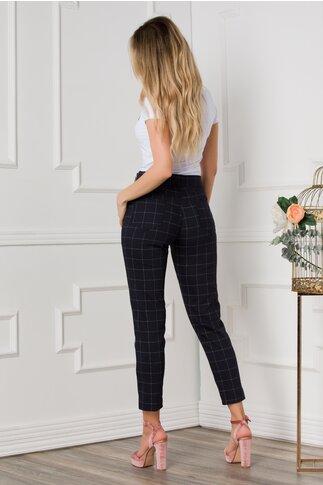 Pantaloni Macy bleumarin cu imprimeu in carouri