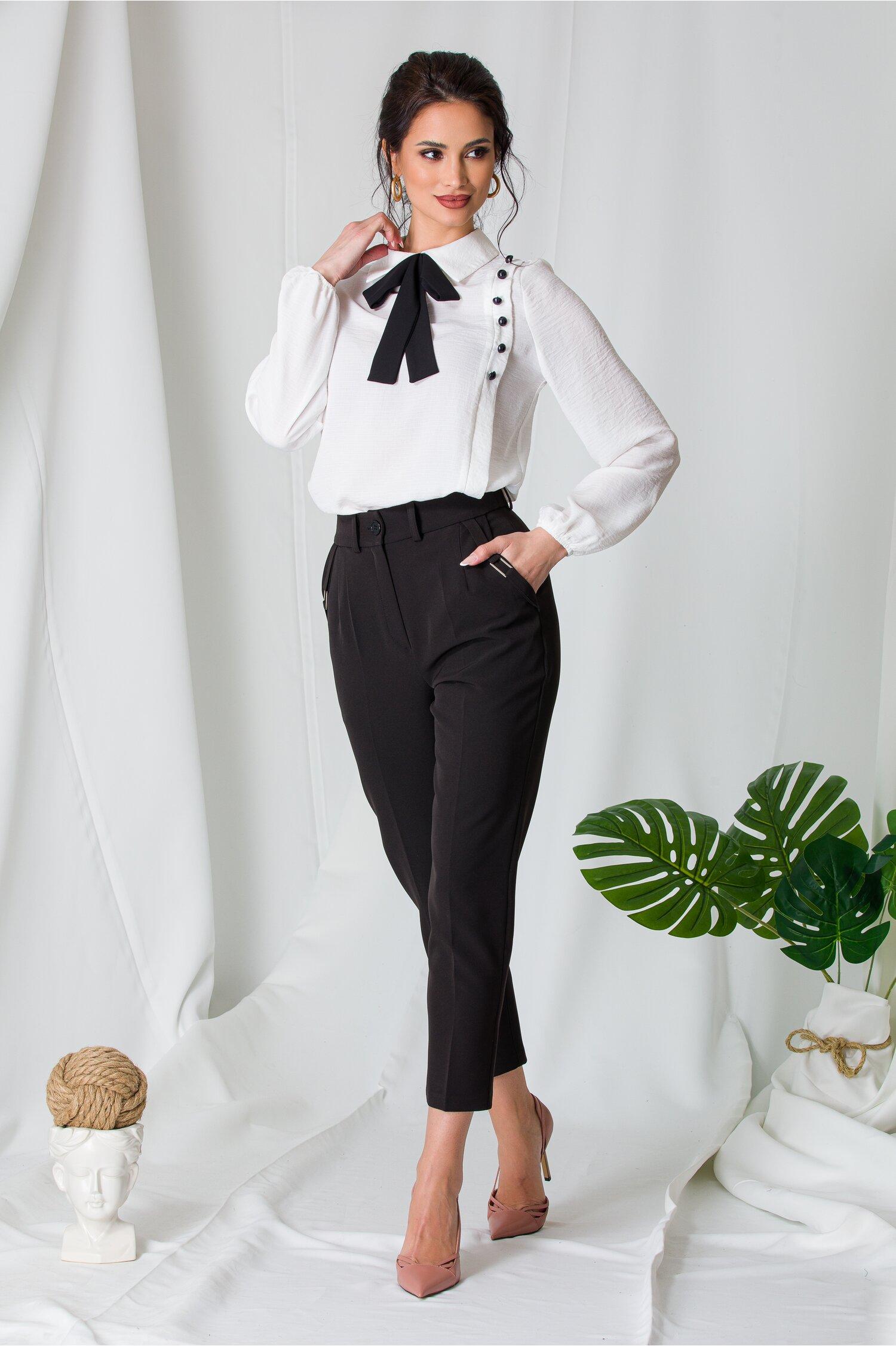 Pantaloni Moze negri cu aplicatii metalice la buzunare