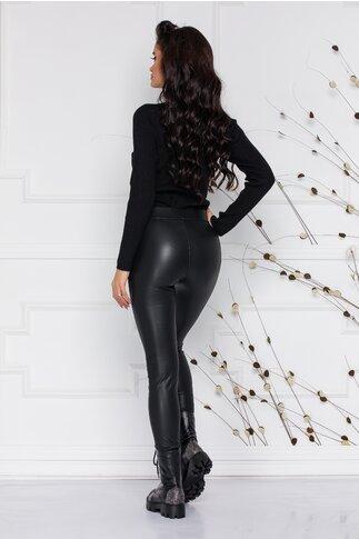 Pantaloni negri cu aspect matuit din piele ecologica