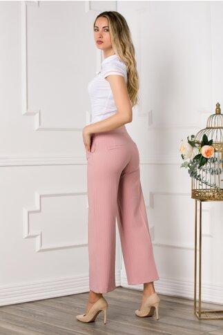 Pantaloni roz cu imprimeu in dungi si cordon decorativ in talie