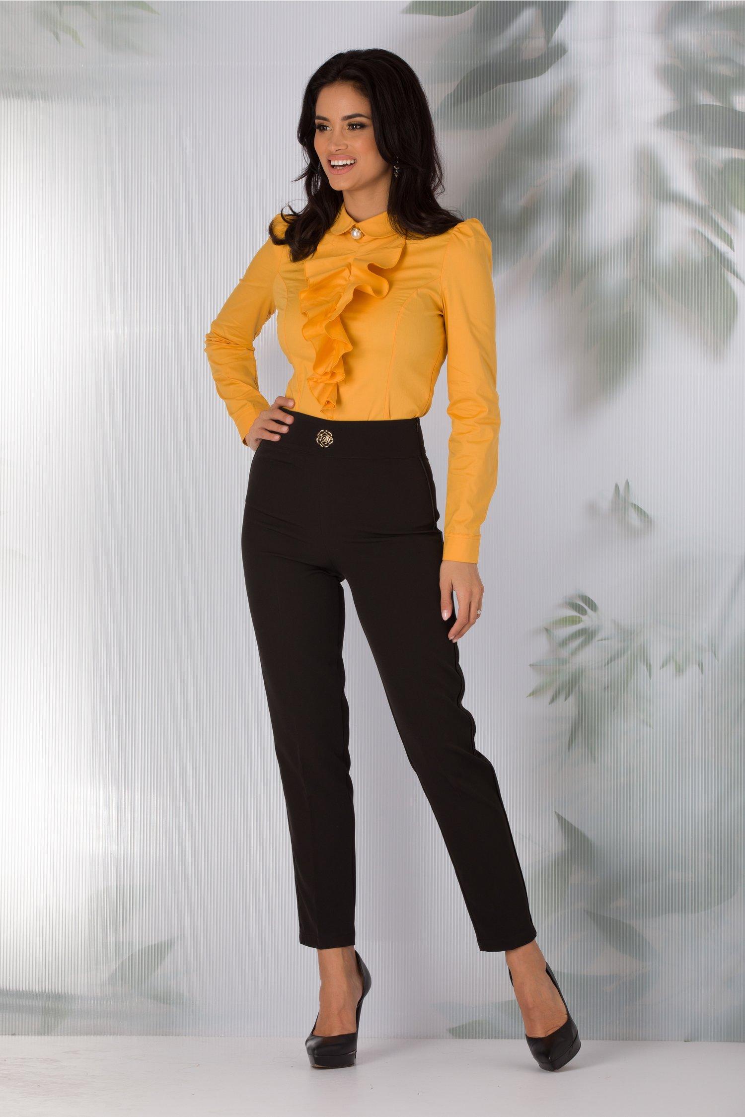 Pantaloni Sandra negri cu dunga satinata pe laterale