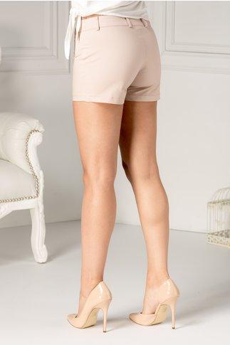 Pantaloni scurti crem cu dunga