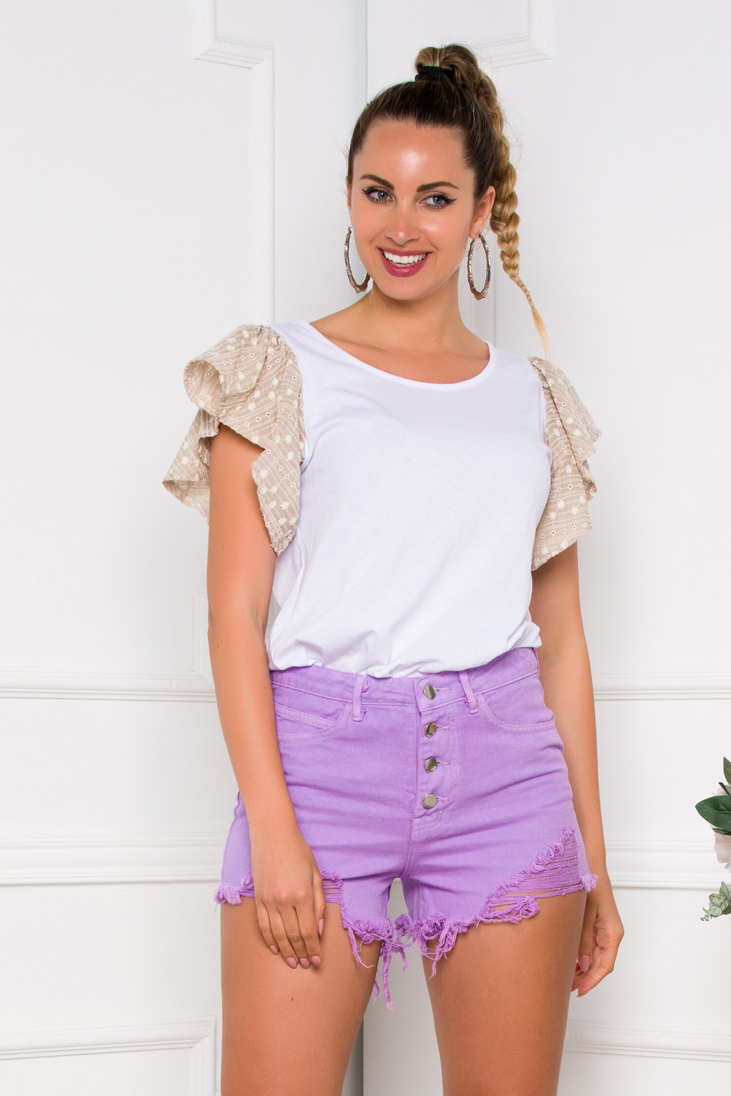 Pantaloni scurti din denim lila cu rupturi si baza nefinisata