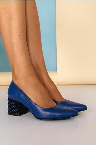 Pantofi albastri cu toc gros accesorizat cu aplicatii 3D