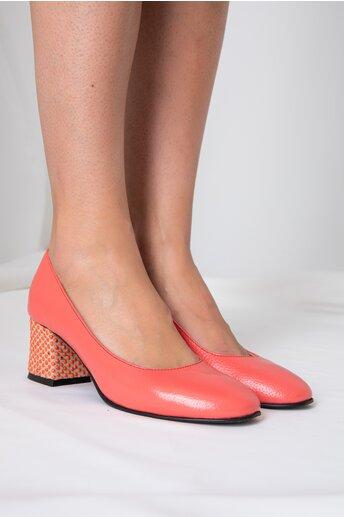 Pantofi Aron corai office cu toc jos si buline 3D