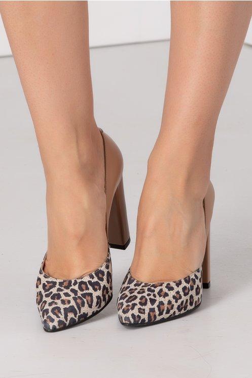 Pantofi bej cu animal print la varf