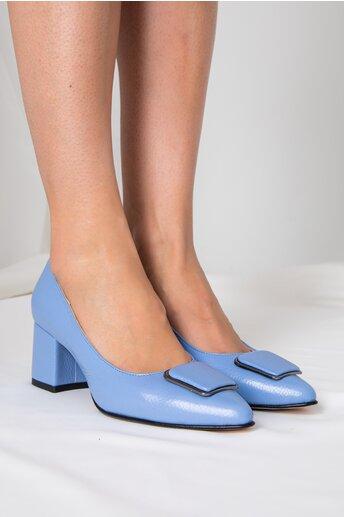 Pantofi bleu cu aplicatie pe varf