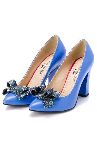 Pantofi bleu din piele cu fundita mozaic pe varf