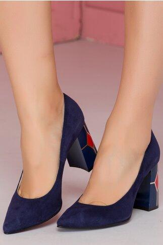 Pantofi bleumarin cu varf ascutit si toc cu imprimeu geometric