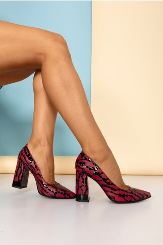 Pantofi bordo cu design deosebit