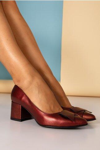 Pantofi bordo sidefati cu detaliu aplicat